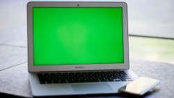 MacBookAir-phone